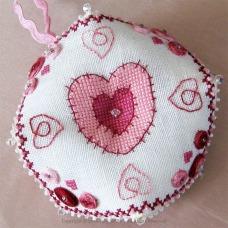 Hearts Biscornu - PFI01