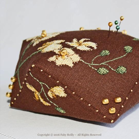 Biscornu Orchidée Dorée