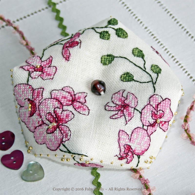 Biscornu Orchidée Prune