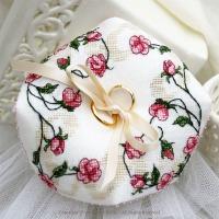 Biscornu Sweet Roses
